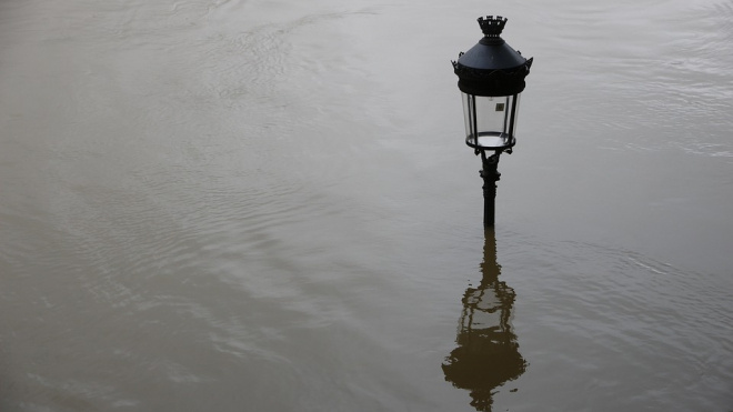 Уровень воды в Неве из-за дождей поднялся на 121 сантиметр