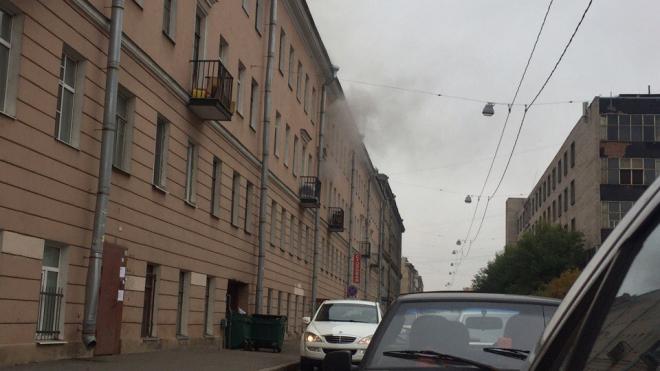 На Курской улице горит жилая квартира