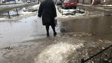 С улиц Петербурга планируют вывезти весь снег за полмеся...