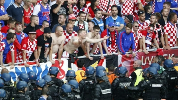 Чехия отыгрывается с 0:2 в мачте с Хорватией