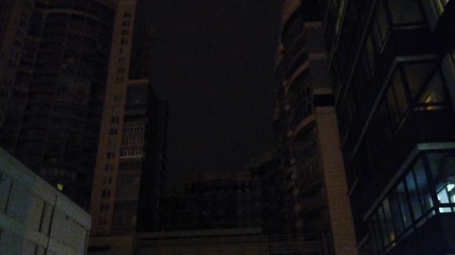Жители дома на Выборгском шоссе остались без электричества с 14 часов дня