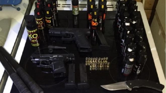 Партию оружия и наркотиков изъяли у украинских националистов в Москве