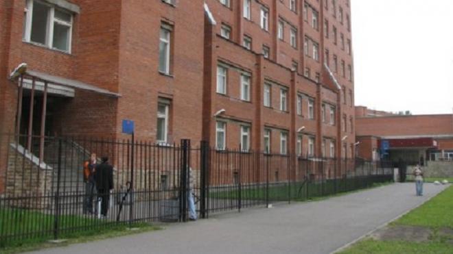 Суд оштрафовал Покровскую больницу за массовое заражение коронавирусом сотрудников и пациентов
