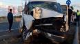 Под Тверью микроатобус с пассажирами врезался в столб, ...