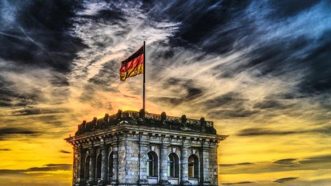 Меркель отменила жесткие ограничения по коронавирусу на Пасху