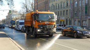 Дорожные службы очистили 50% улиц в Петербурге