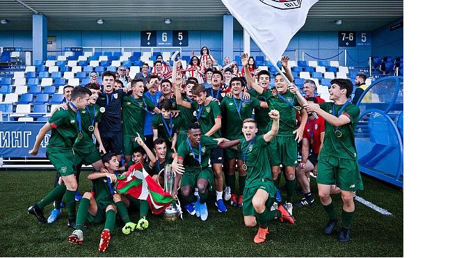 В Петербурге завершился футбольный турнир памяти Юрия Морозова