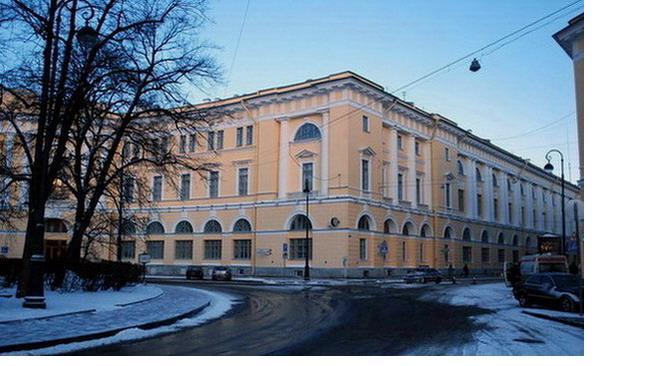 Фасад здания Министерства народного просвещения со стороны улицы зодчего Росси будет отреставрирован