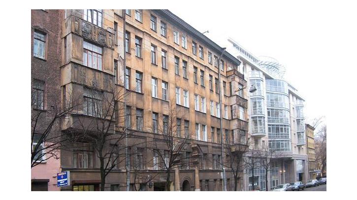 В Жилищном комитете обсудят дальнейшую работу с аварийным домом на Зверинской улице