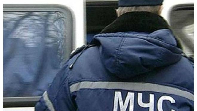 На автозаправке на Новоприозерском шоссе бросили цистерну с испаряющейся серной кислотой