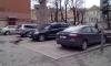 Автохамы паркуют машины на памятнике Владимиру Маяковскому
