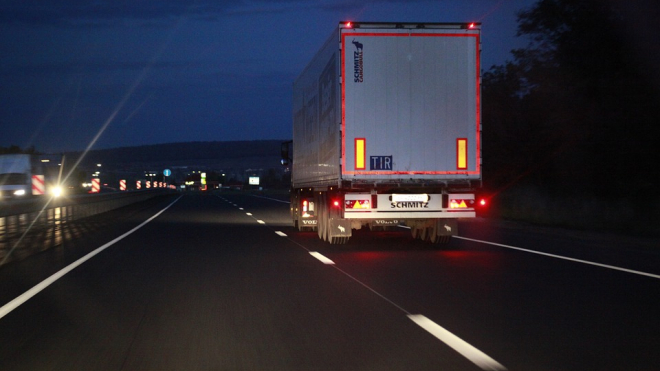 При плюс 32 для грузовиков перекроют КАД и федеральные трассы