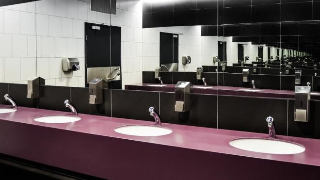 В туалете хостела на Садовой улице нашли труп мужчины в тапочках