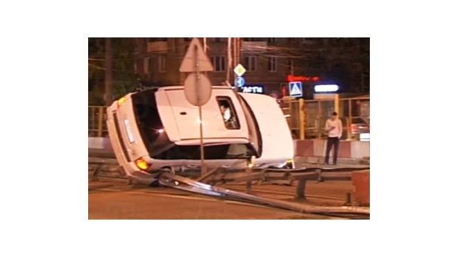 Обстоятельства аварии, в которую попала Ксения Бородина, вызывают много вопросов