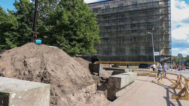 В Выборге началось благоустройство аллеи на улице Димитрова