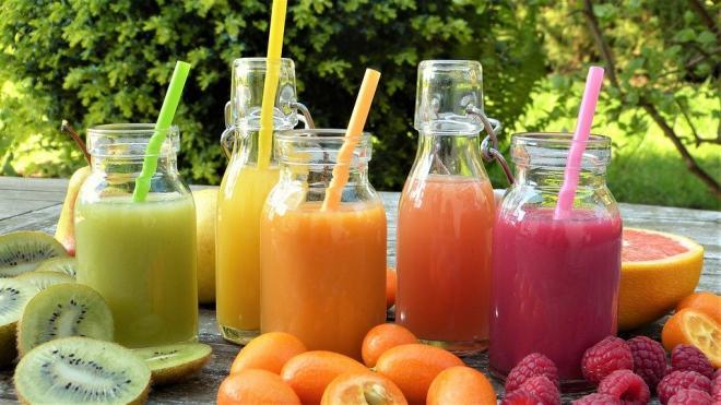 Диетолог предупредила о вреде свежевыжатых соков без мякоти