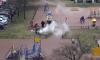 Нет времени объяснять: петербуржцы жарят шашлыки на детской площадке