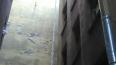 В Адмиралтейском районе сбили 3-этажную сосульку