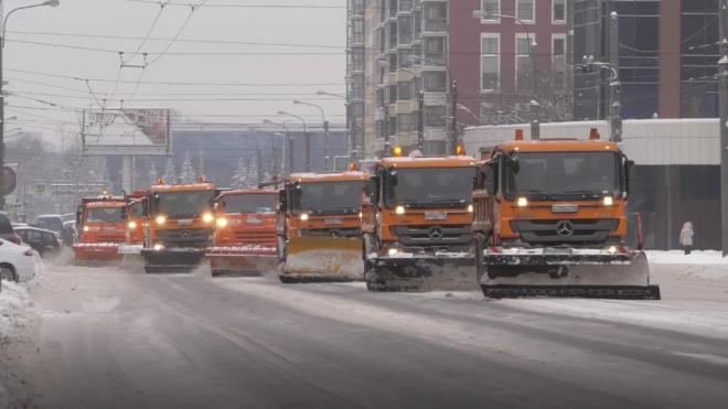 В Петербурге стали меньше жаловаться на скользкие дороги