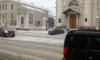 На Кадетской линии Skoda после ДТП заехала на крыльцо церкви