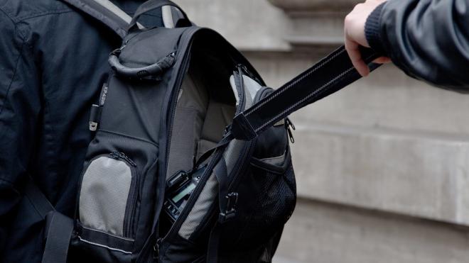 Во Всеволожском районе ограбили официантку из столовой при Институте ФСБ