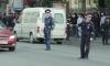 Петербурженка избила двух полицейских, которые не давали ее мужу пить пиво на улице