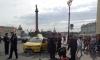Таксист устроил гонку за велосипедистом по Дворцовой площади и сбил его