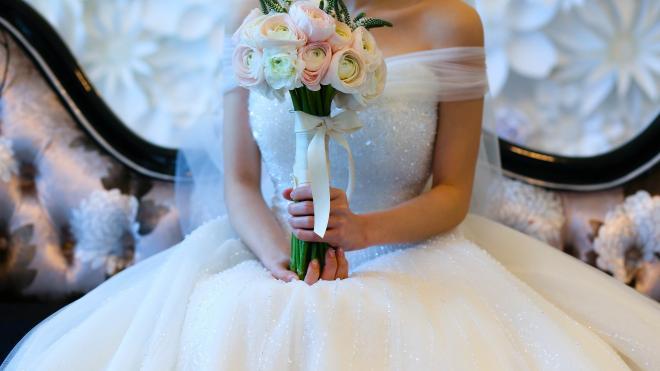 Спрос на свадебные платья в Петербурге и области вырос на 58%