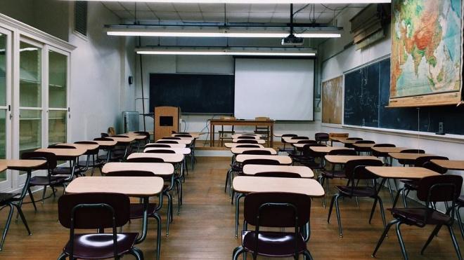 В Смольном рассказали о начале учебного года в очном режиме