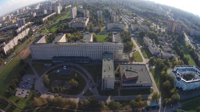 В Елизаветинской больнице произошла драка между охранниками и родственниками умерших пациентов
