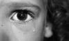 В Приморье мать заморила голодом двух малышек и спрятала тела под крыльцом