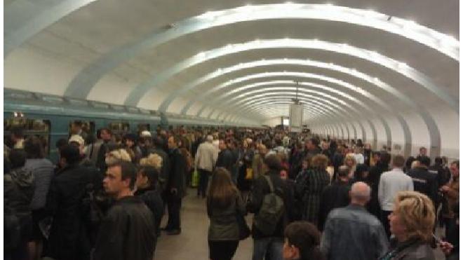 На двух линиях московского метрополитена произошел сбой