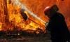 Пожар в пункте приёма металлолома на Октябрьской набережной