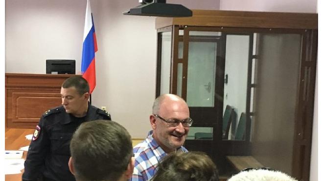 Городской суд отклонил жалобу Максима Резника. Депутат останется под арестом