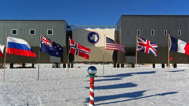 Петербургский судпродлилдомашний арест инженеру, пырнувшему ножом коллегу, в Антарктиде