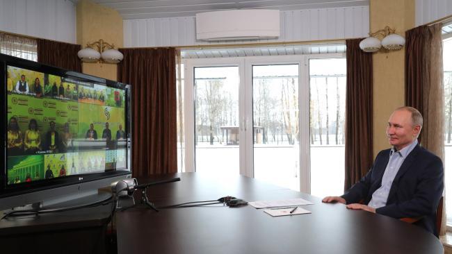 Путин: Россия будет продолжать увеличивать число бюджетных мест в вузах