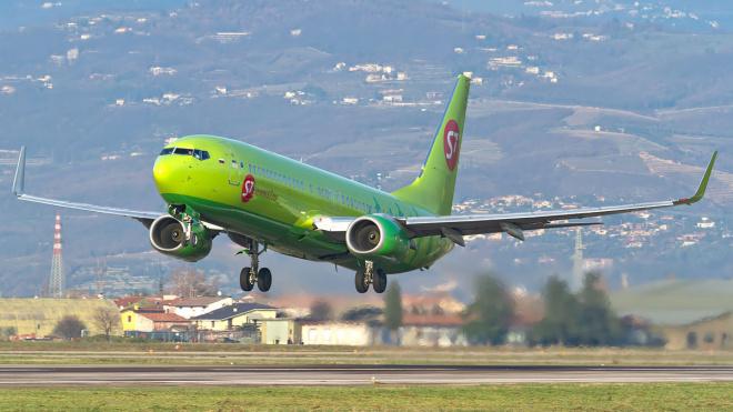На борту самолета Новосибирск-Якутск умерла пассажирка