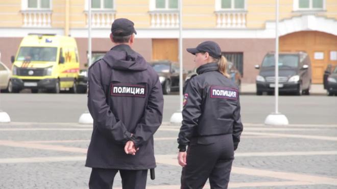 Около входа в детсад на Васильевском нашли труп в белых хозяйственных перчатках
