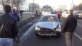 Железная балка едва не убила водителя машины в массовом ...
