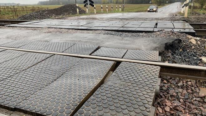 Ленобласть потребовала РЖД провести ремонт на 60 железнодорожных переездах