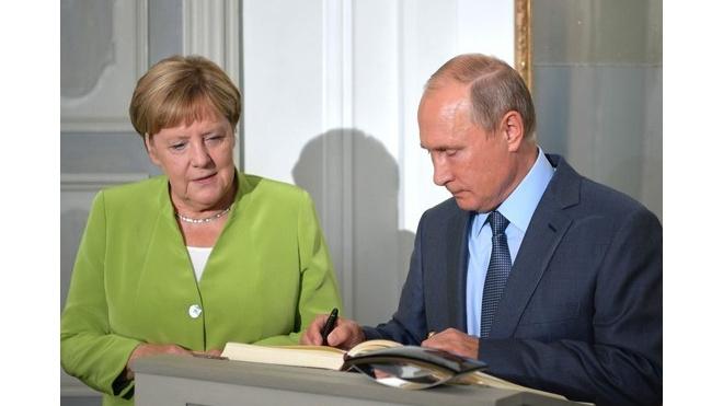 """Путин и Меркель обсудили организацию саммита """"Нормандской четверки"""""""