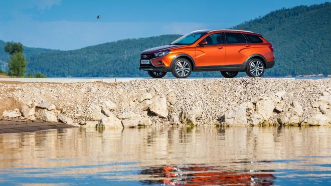 Lada Vesta стала лидером российского рынка