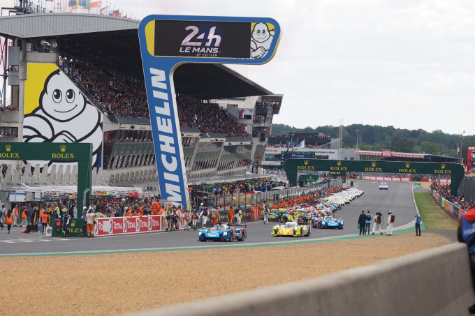 Экипаж SMP Racing в гонке 24 часа Ле-Мана негибридные автомобили
