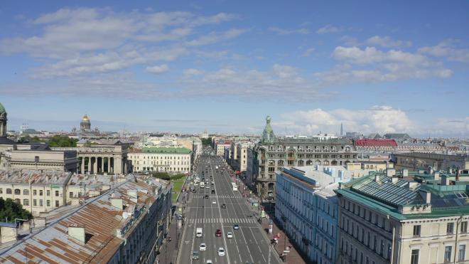 В Смольном рассказали, как собираются очистить Петербург от проводов