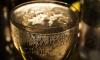 В Ленобласти в новогоднюю ночь могут разрешить продажу шампанского