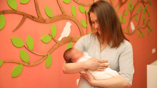 Петербурженка родила девочку весом более 5 кг и ростом 56 см