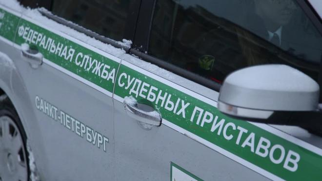 Петербуржец выплатил долги по алиментам ради поездок на автомобиле