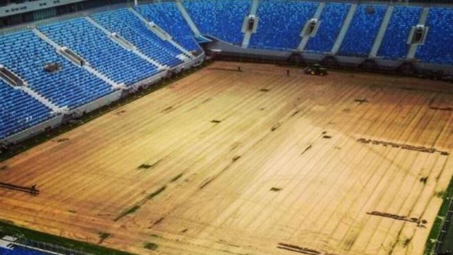 Фото со стадиона на Крестовском: с поля полностью убрали газон