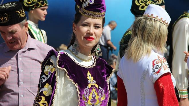 Петербург поздравил башкир и татар с Сабантуем
