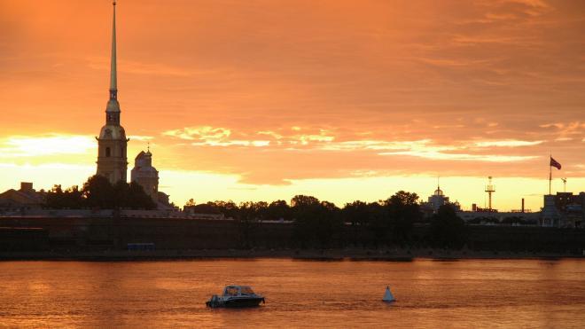 Стало известно время начала салюта в Петербурге 24 июня